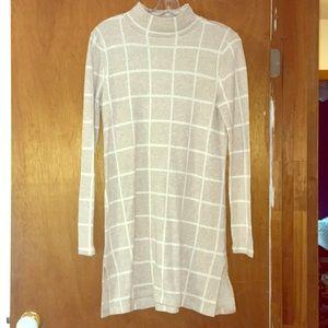 Long sweater, turtleneck